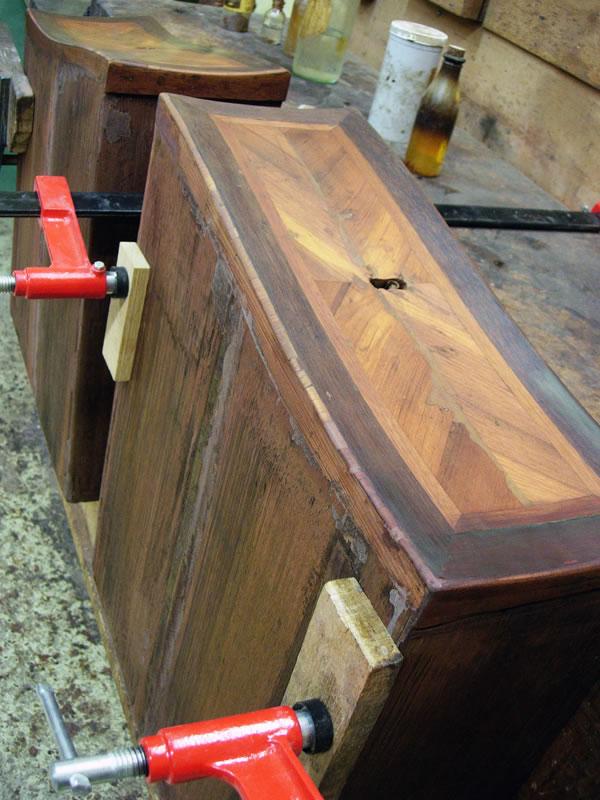Réparation des placages des tiroirs