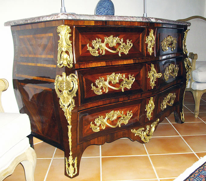 Restauration d'une commode Louis XIV