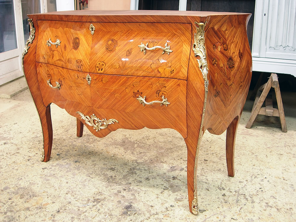 Restauration d'une commode Transition