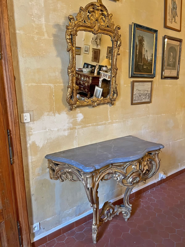 Restauration d'une console Louis XV en bois doré