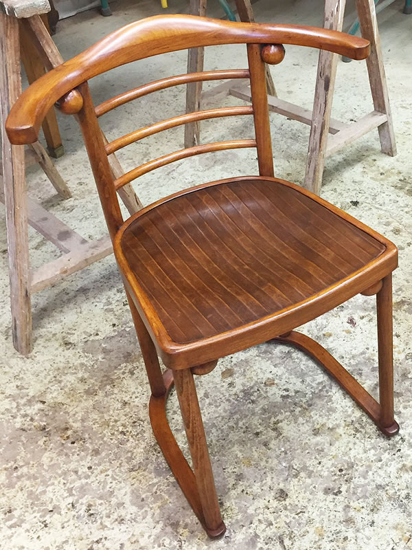 Restauration de fauteuils Bistrot