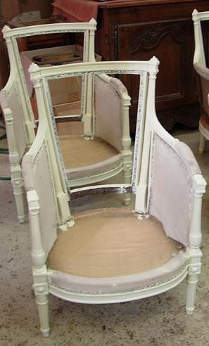 Patine peinture sur fauteuils anciens