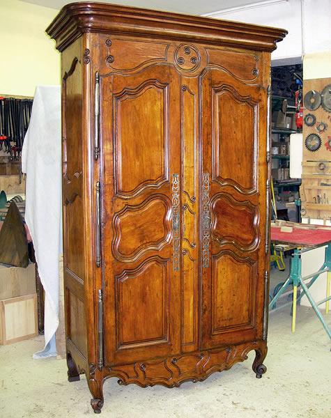 Restauration d'une armoire de Fourques