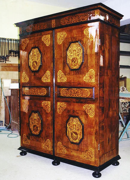 Restauration armoire Renaissance
