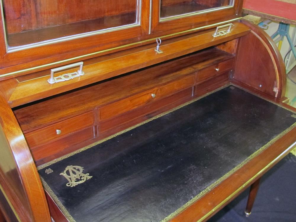 Nettoyage et patine du cuir de l'écritoire