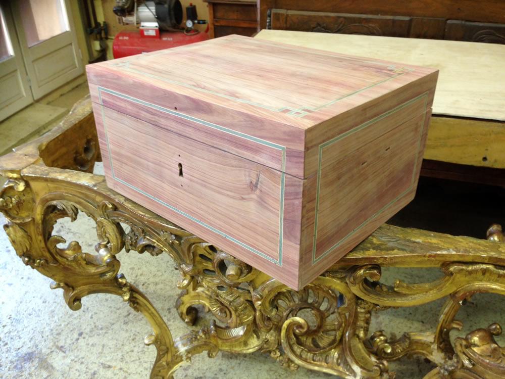 Restauration d'un coffret en bois de rose