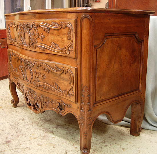 Restauration d'une commode Nîmoise