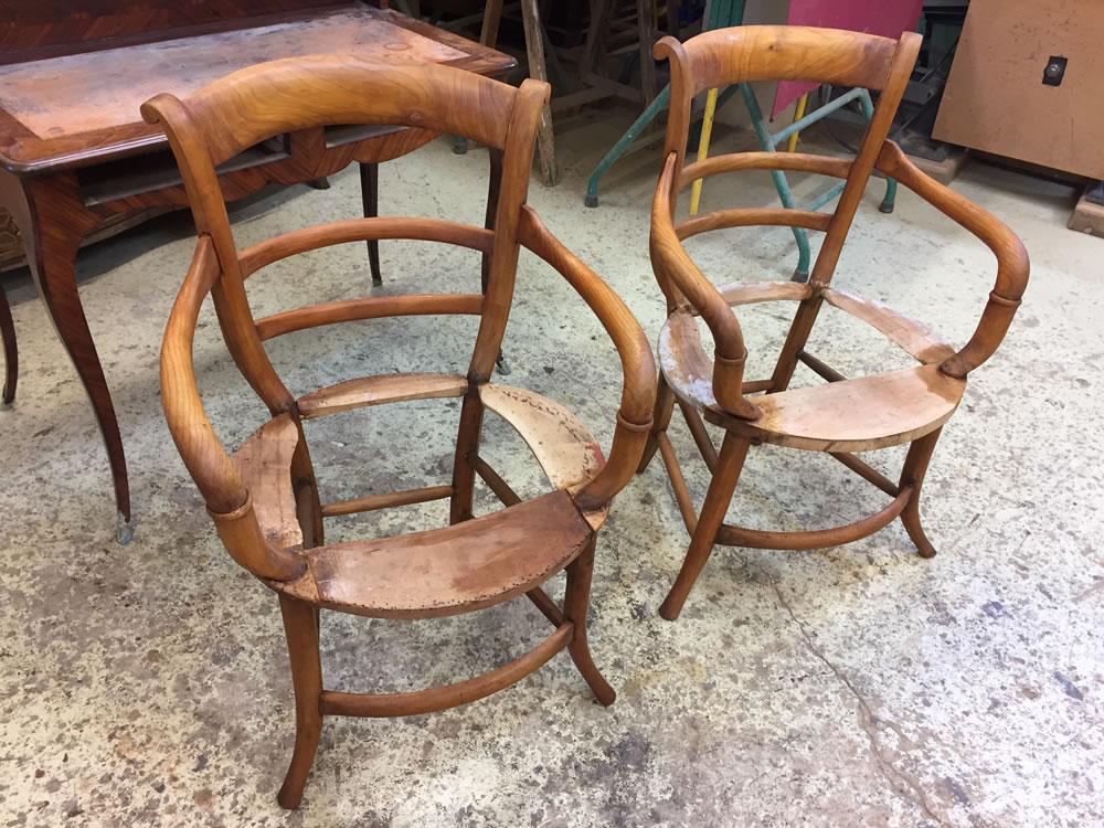 Ponçage des fauteuils anciens