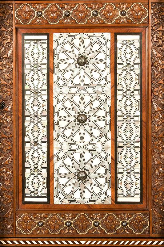 Meuble ottoman et incrustations de nacre