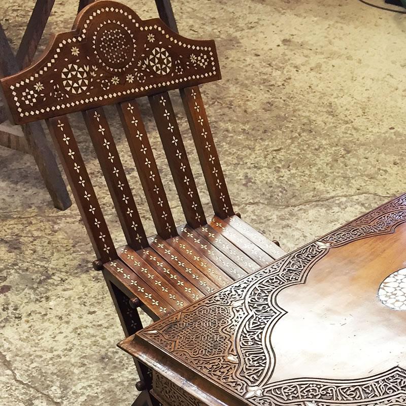 Chaise syrienne incrustée de nacre