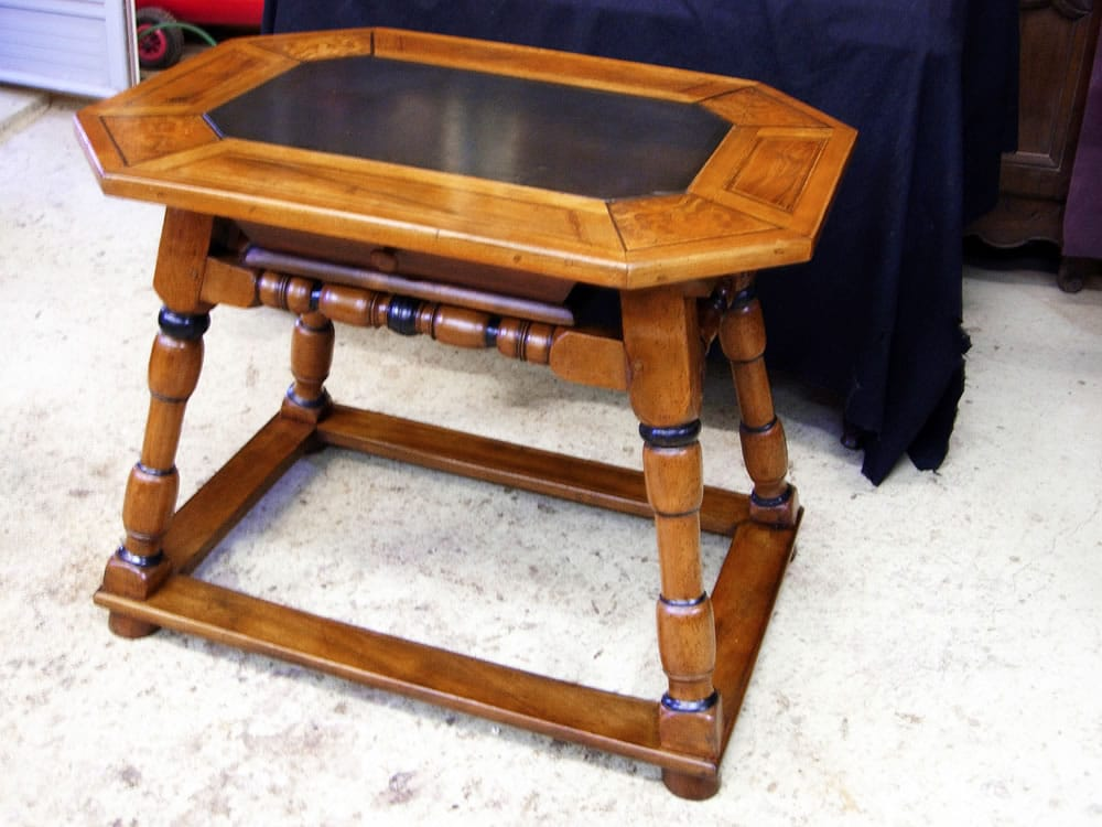Restauration d'une table de changeur XVIIe