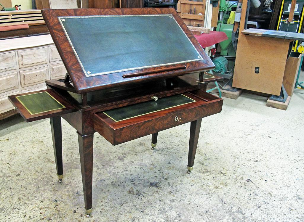Restauration d'une table à la tronchin