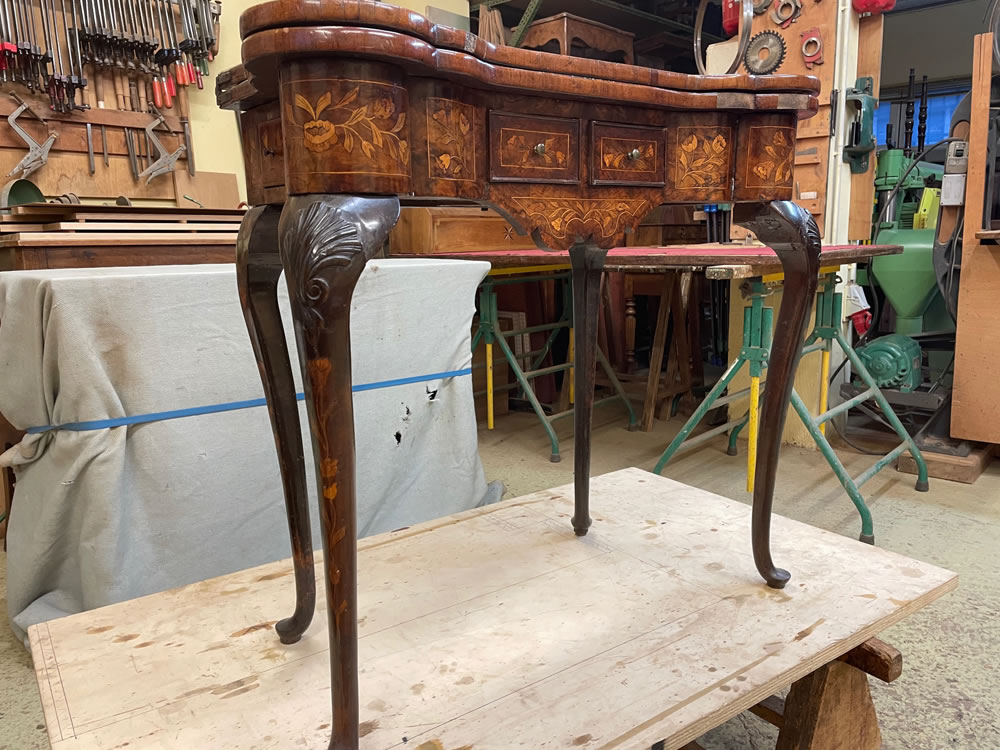 Table Chippendale avant restauration