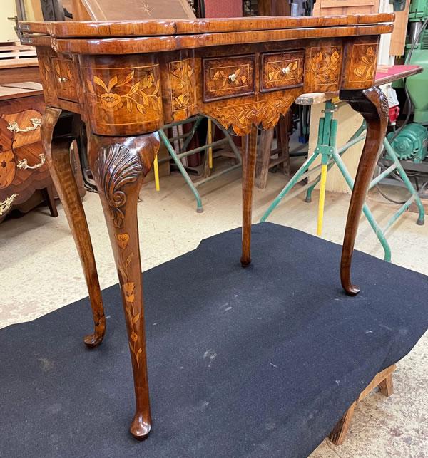 Restauration d'une table Chippendale